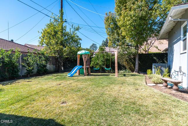 2180 Brigden Road, Pasadena CA: http://media.crmls.org/mediaz/F2C1A86D-4BD6-48D5-8D46-7D9F4E55F94A.jpg