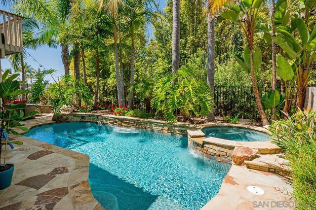 1826 Sea Vista Place, San Marcos CA: http://media.crmls.org/mediaz/F2CFAE83-5975-430D-8D2D-8A9DBC689006.jpg