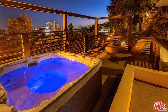 6652 WHITLEY Terrace, Los Angeles CA: http://media.crmls.org/mediaz/F2EF4F28-D6D2-41A8-9C26-2764569E81B2.jpg