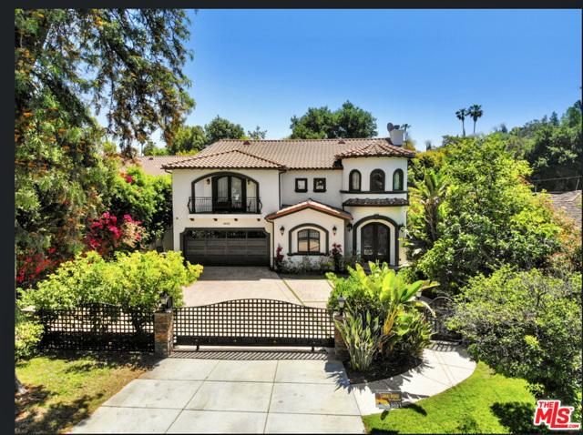 Photo of 4622 Hayvenhurst Avenue, Encino, CA 91436