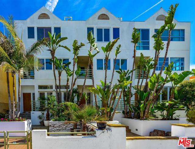 20 VOYAGE St, Marina del Rey, CA 90292