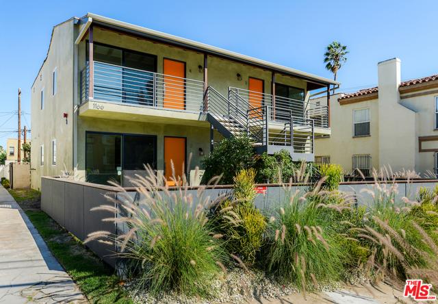 1166 S Cochran Avenue, Los Angeles CA: http://media.crmls.org/mediaz/F3254B85-B523-4C41-8B95-279F26AFA15C.jpg