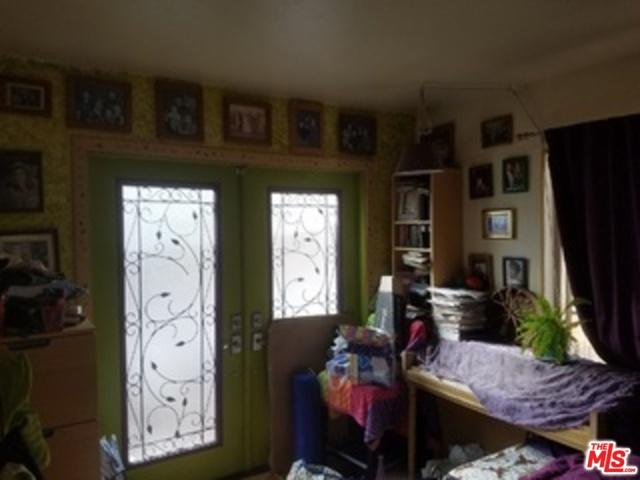 4116 1/2 PROSPECT Avenue, Los Angeles CA: http://media.crmls.org/mediaz/F38DA323-5D83-4C5D-80BC-EFE8967D8858.jpg