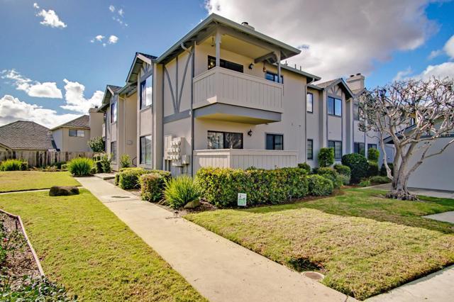1063 Riker Street, Salinas CA: http://media.crmls.org/mediaz/F3B53979-55B8-4BB0-9DBC-FAB84CAE8697.jpg