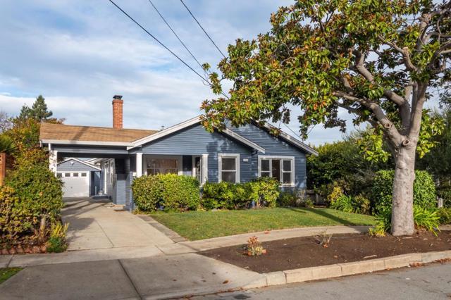 1120 Summer Avenue, Burlingame CA: http://media.crmls.org/mediaz/F42B4A76-7E2F-4793-8609-C355E52669FA.jpg