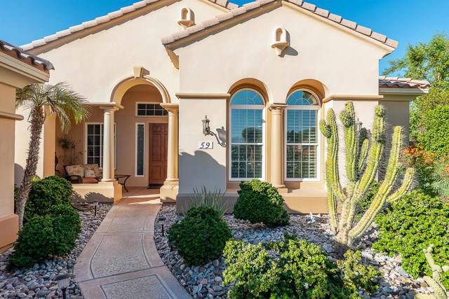 59 Calle De Oro, Rancho Mirage CA: http://media.crmls.org/mediaz/F43ADC03-15DD-4E57-A384-9175AB406A2A.jpg