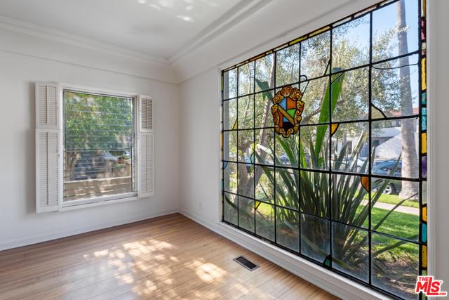 1020 S ALFRED Street, Los Angeles CA: http://media.crmls.org/mediaz/F4F83EE0-D866-454D-A1C6-A861615AE9CE.jpg
