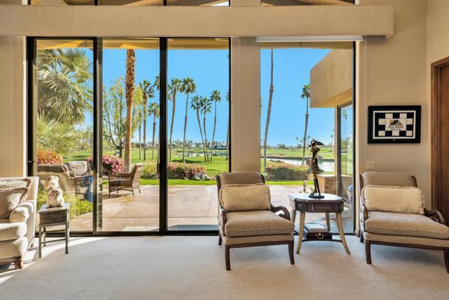 55920 Riviera, La Quinta CA: http://media.crmls.org/mediaz/F52BF46A-0882-471B-85EB-7365A6A8CCBA.jpg
