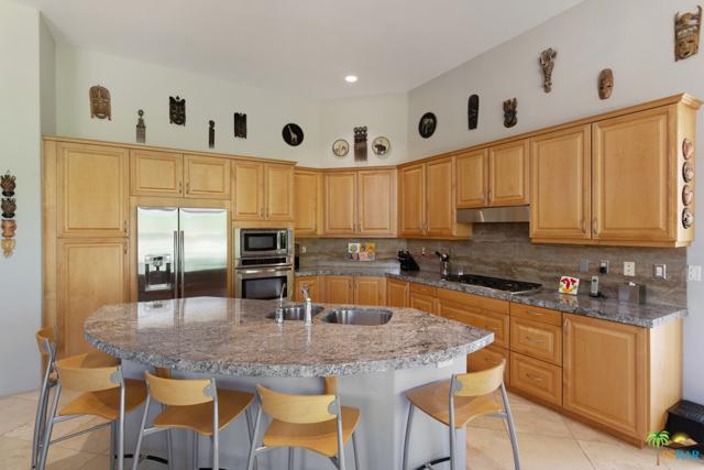 15 Birkdale Circle, Rancho Mirage CA: http://media.crmls.org/mediaz/F52CFDD5-665C-42D1-A01C-C2E7917F7AF0.jpg