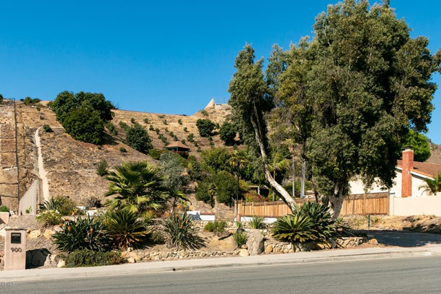 894 High Point Drive, Ventura CA: http://media.crmls.org/mediaz/F52FC432-CDBC-4087-B3FD-D083DF06B74E.jpg