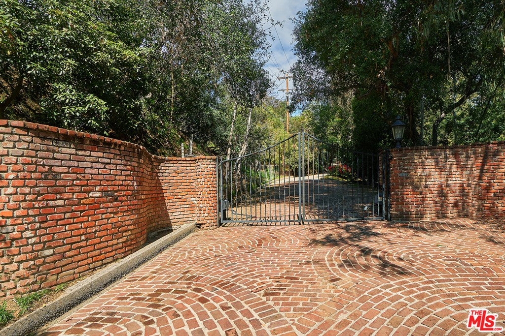 9855 Deep Canyon Place #  Beverly Hills CA 90210