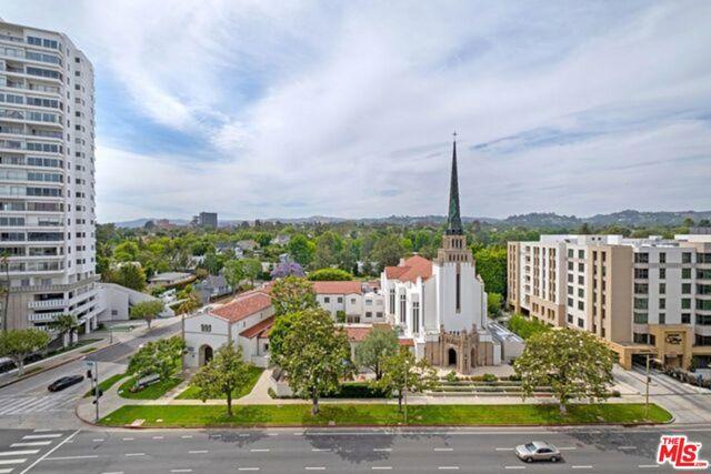 10490 Wilshire Boulevard, Los Angeles CA: http://media.crmls.org/mediaz/F53F9341-7CF1-4E0A-A6F9-6BB8D6374AFB.jpg