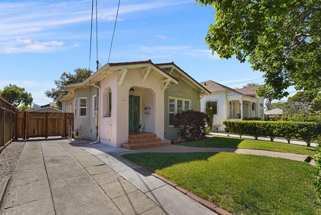 479 8th Street, San Jose CA: http://media.crmls.org/mediaz/F5406391-6B22-4BF9-B73E-97D4F32D3038.jpg
