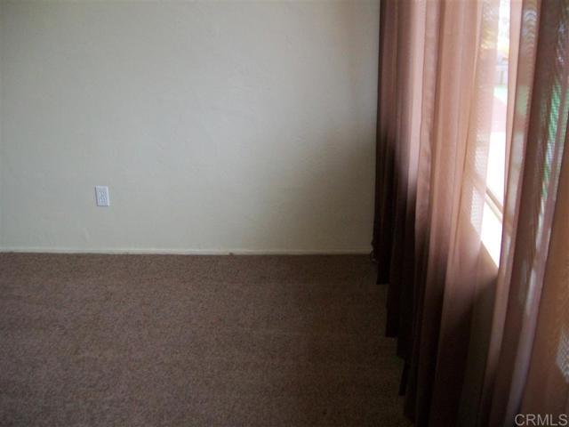 271 73 Quintard Street, Chula Vista CA: http://media.crmls.org/mediaz/F568B302-D12F-46AC-A0DF-23DCCE976AAB.jpg