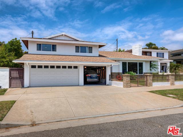 7705 W 83RD St, Playa del Rey, CA 90293