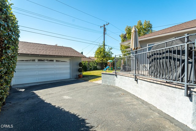 2180 Brigden Road, Pasadena CA: http://media.crmls.org/mediaz/F5C1A78C-19DC-4F2F-833A-4E1515384D25.jpg