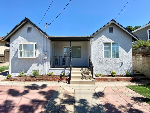 425 Charles Street, Moorpark CA: http://media.crmls.org/mediaz/F60E6594-6CDC-45B6-BEA1-7882F93687E9.jpg