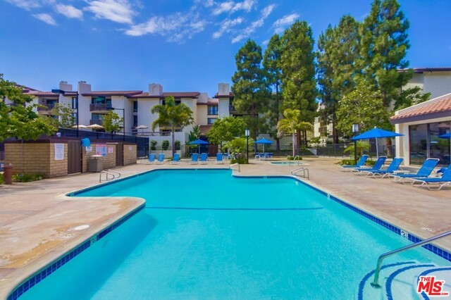 8600 TUSCANY Avenue 314 Playa del Rey, CA 90293 is listed for sale as MLS Listing 16149306