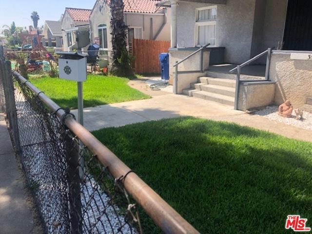 3520 E 6Th Street, Los Angeles CA: http://media.crmls.org/mediaz/F6C598A9-074B-4852-9E41-B6EAB1F49E21.jpg