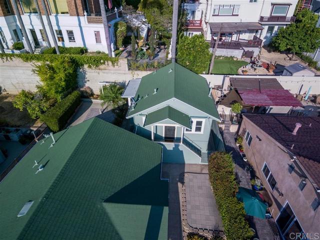 2339 Brant St, San Diego CA: http://media.crmls.org/mediaz/F6E754F8-FDEC-43BB-BB21-030D6446ADDA.jpg