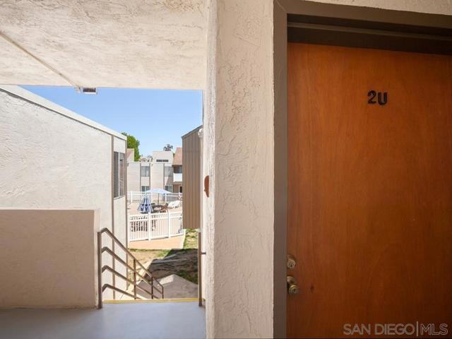 8034 Linda Vista Rd, San Diego CA: http://media.crmls.org/mediaz/F6EED2EC-46C6-4B41-9449-5F2DB7728D7C.jpg