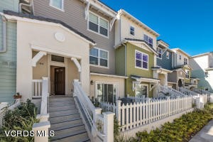 Photo of home for sale at 3667 Islander Walk, Oxnard CA