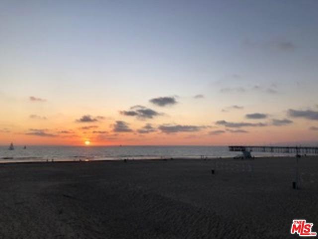 4001 OCEAN FRONT Wk, Marina del Rey, CA 90292