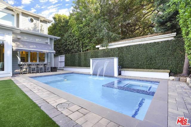 4053 Laurelgrove Avenue, Studio City CA: http://media.crmls.org/mediaz/F7BCDAF0-86FC-4B24-83D0-B691E1BBE1FC.jpg