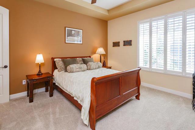 81410 Golf View Drive, La Quinta CA: http://media.crmls.org/mediaz/F7D11765-D167-4197-B47C-0BD63CB604ED.jpg