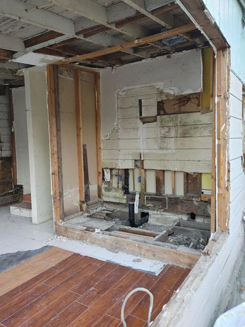 950 4th Street, San Jose CA: http://media.crmls.org/mediaz/F7D491AA-C2D7-43CF-9FF3-7EC4AF5962CF.jpg