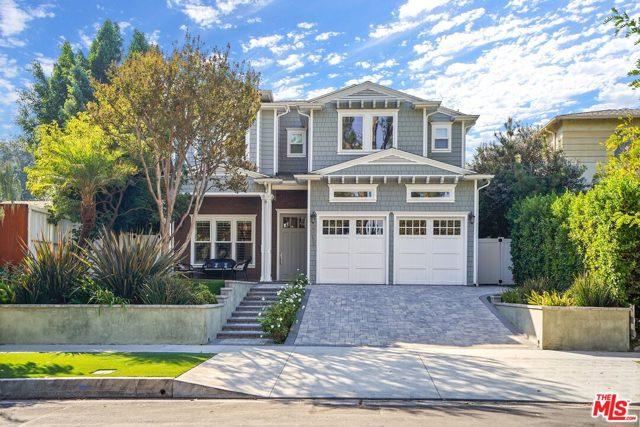 4053 Laurelgrove Avenue, Studio City CA: http://media.crmls.org/mediaz/F8090C9A-5F96-4DF9-9088-E1CF7BB075FE.jpg