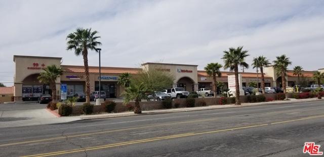 13400 Palm dr., Desert Hot Springs CA: http://media.crmls.org/mediaz/F81FC05B-EB71-46E9-8884-9BA649A1DA03.jpg