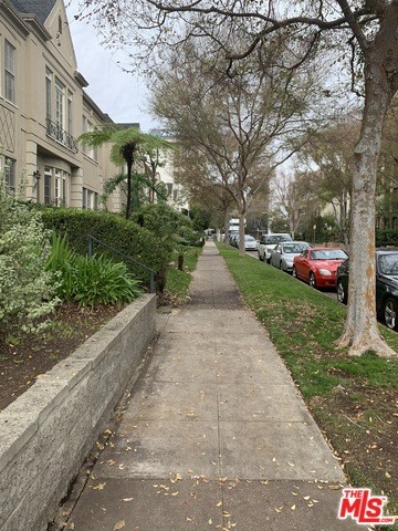149 S CRESCENT Drive # A Beverly Hills CA 90212