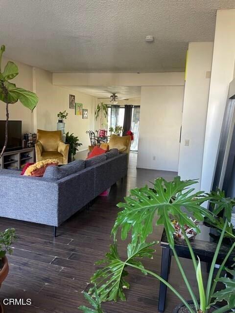815 N Monterey Street, Alhambra CA: http://media.crmls.org/mediaz/F8D89E27-628C-48F0-85AE-9F47E6F03A1E.jpg