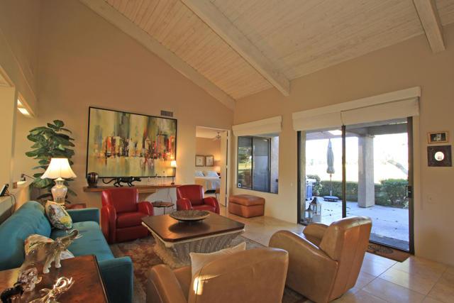 743 Inverness Drive, Rancho Mirage CA: http://media.crmls.org/mediaz/F958D0BC-14CD-4156-A1B5-3E5CB86C376A.jpg