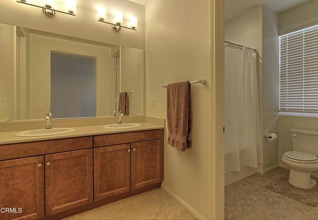 437 Castiano Street, Camarillo CA: http://media.crmls.org/mediaz/F98A2F5C-C1A1-44AD-9B82-519F584FD064.jpg