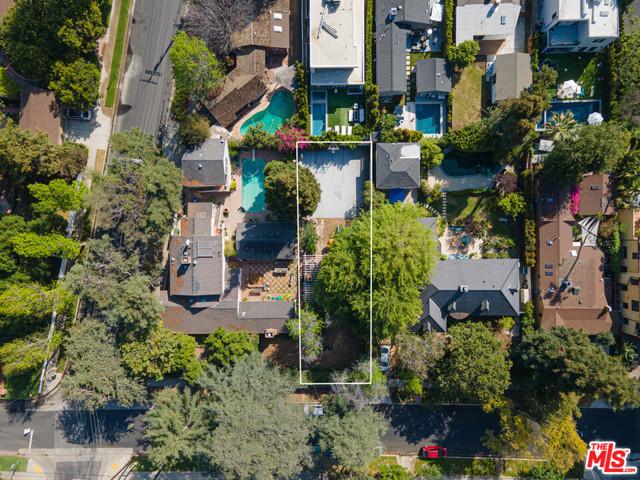 3848 Vantage Avenue, Studio City CA: http://media.crmls.org/mediaz/F9A3DF7D-9BEF-4AAE-8A24-B5E3F32CADE5.jpg