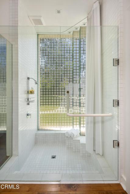 4240 Woodleigh Lane, La Canada Flintridge CA: http://media.crmls.org/mediaz/F9AC97AE-FB27-4637-B41A-A0989933FCAE.jpg