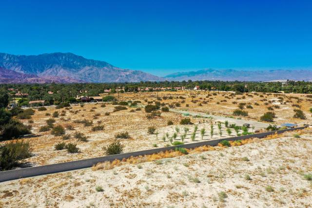 7 Mountain Vista Court, Rancho Mirage CA: http://media.crmls.org/mediaz/FA2BEF47-100A-43D8-B418-6A3C37124AC8.jpg