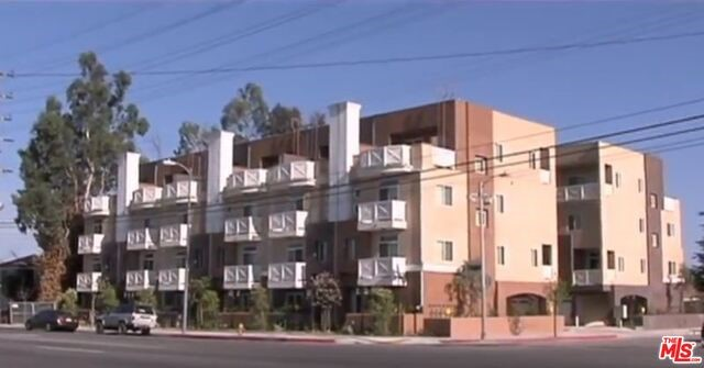 Single Family Home for Rent at 5950 Irvine Avenue North Hollywood, California 91601 United States