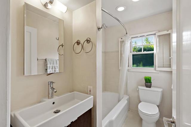 4221 Wilkie Way, Palo Alto CA: http://media.crmls.org/mediaz/FA4A26C7-B32F-4AEE-98D7-F9C52C03A7D9.jpg