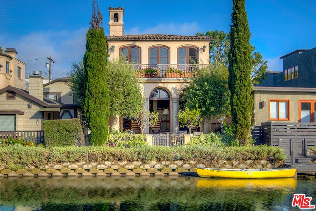 438 Howland Canal Venice CA 90291