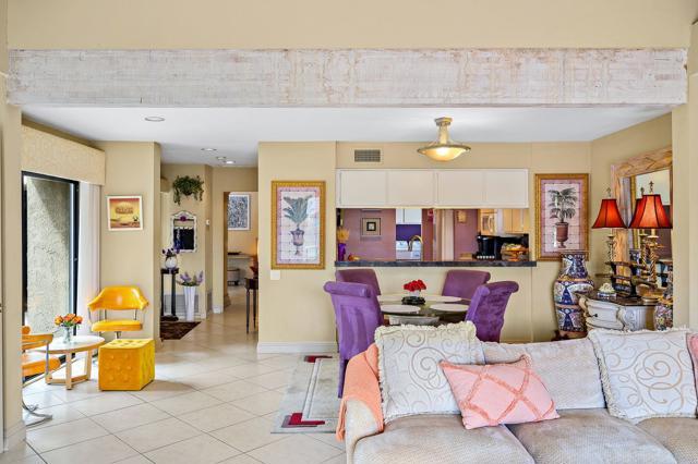 369 Wimbledon Drive, Rancho Mirage CA: http://media.crmls.org/mediaz/FABC1437-36E0-4FF4-9A29-3A1805FBCF78.jpg