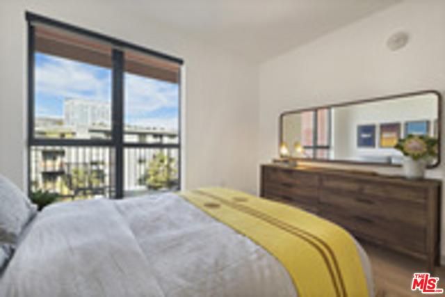 6200 HOLLYWOOD, Los Angeles CA: http://media.crmls.org/mediaz/FACD98CF-C3ED-43FF-9EAD-1F38A4424D8C.jpg