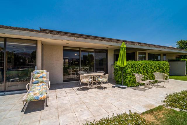 25 Columbia Drive, Rancho Mirage CA: http://media.crmls.org/mediaz/FB0355F1-A3BA-494B-BDFE-4D07CAA2B57F.jpg