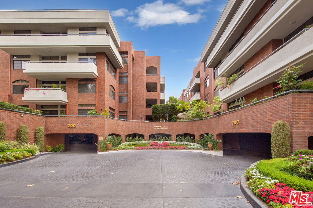 200 SWALL Drive # 405 Beverly Hills CA 90211