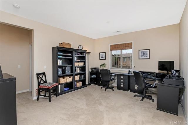 11331 Manorgate Drive, San Diego CA: http://media.crmls.org/mediaz/FB8B5BE0-865D-48D7-BA28-6CC814FEB1F6.jpg