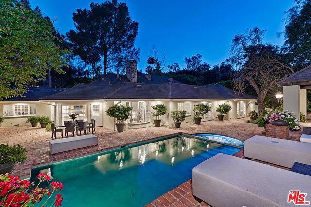Photo of 1124 LAUREL Way, Beverly Hills, CA 90210