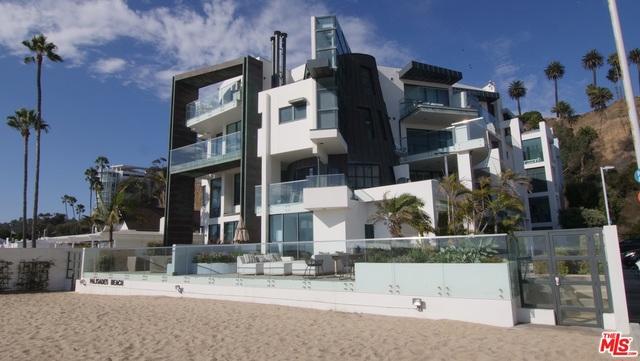 270 PALISADES BEACH Road, Santa Monica CA: http://media.crmls.org/mediaz/FC2B6DA1-DE6D-41CF-B5B7-76D3D020F410.jpg