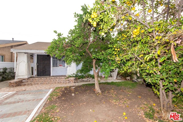 1328 W 59Th Street, Los Angeles CA: http://media.crmls.org/mediaz/FC468C68-CC19-49F9-98A8-317A28B211A2.jpg